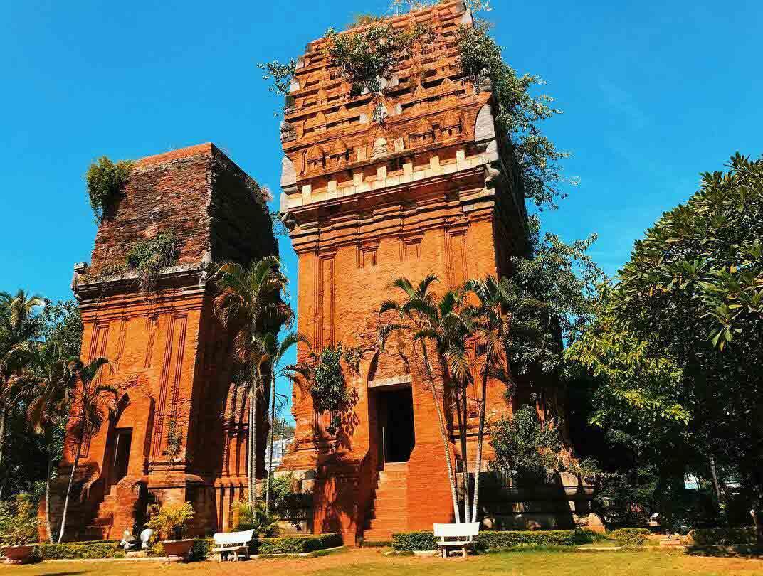 Tháp đôi Quy Nhơn - Tim hiểu kiến trúc chămpa ngày nay còn sót lại